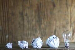 Lampowy i zmięty papier Zdjęcie Stock