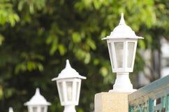 Lampowy słup i ogrodzenie Zdjęcie Royalty Free