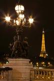 Lamppost na ponte de Alexander III. Imagens de Stock