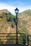 Lamppost w mountaineous terenie madera, Portugalia zdjęcie stock