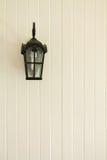 Lampposten op de muur Royalty-vrije Stock Foto