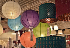 Lamps and lighting fixtures in the store Royalty Free Stock Photography