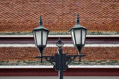 Lampstolpe för gammal stil i Bangkok, Thailand royaltyfri foto