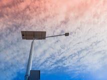 Lampstolpe och photovoltaic panel Royaltyfri Bild