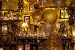Lampwinkel bazar in Marrakech Typisch beeld van de bazar winkel royalty-vrije stock foto's