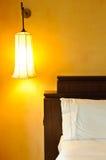 lampy łóżkowa ściana Fotografia Stock