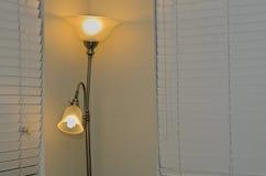 Lampy w sypialni obrazy stock