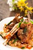 Lamskoteletten met kruidige rijst Royalty-vrije Stock Foto