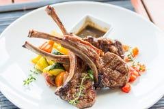 Lamslapje vlees of lamskoteletten Stock Afbeeldingen