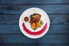 Lamssteel met geroosterde groenten Royalty-vrije Stock Foto