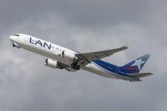 LAN Chile linie lotnicze Boeing 767 bierze daleko od Los Angeles lotniska międzynarodowego Obraz Stock