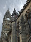lancashire的历史的rochdale城镇厅与哥特式建筑细节和高钟楼 库存图片