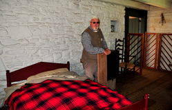 Lancaster, PA: Docent en la cabaña de madera Imagen de archivo
