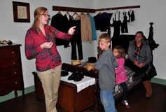 Lancaster, PA: Docent with Kids at Amish House Museum Stock Image