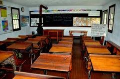 Lancaster, PA: Interior da sala de aula da vila de Amish imagens de stock