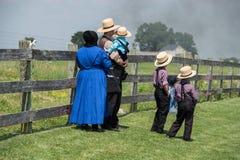 LANCASTER, usa Amish ludzie w Pennsylwania - CZERWIEC 25 2016 - Zdjęcie Stock
