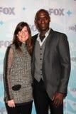Lance Riddick u. Verlobtes kommt zu der FUCHS TCA Winter-Partei 2011 Lizenzfreie Stockfotos