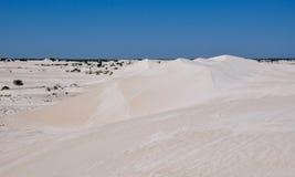 Lancelin: Paisaje blanco de las dunas en Australia occidental Imagen de archivo libre de regalías