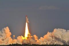 Lancement de découverte de navette spatiale photos stock