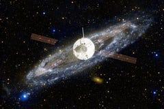 Lancement de vaisseau spatial dans l'espace Beauté d'espace extra-atmosphérique photo stock