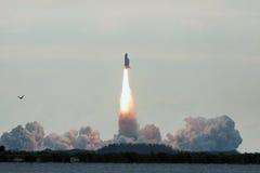 Lancement final STS-134 d'effort de navette spatiale photographie stock