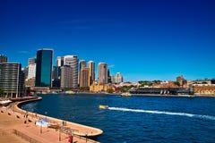 Lancez la croix le port de Sydney Photos libres de droits
