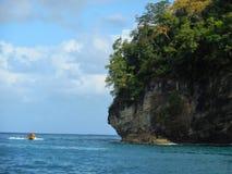 Lancha de carreras amarilla en el Caribe fotos de archivo libres de regalías