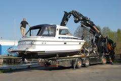 Lanci una barca in un lago svedese, Stoccolma immagini stock libere da diritti