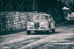 LANCIA AURELIA B20 GT 2500 IV SERIE 1955 op een oude raceauto in verzameling Mille Miglia 2017 Stock Afbeeldingen