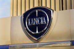 Lancia-Autologo auf der Verkaufsstelle, die am 20. Januar 2017 in Prag, Tschechische Republik errichtet Lizenzfreie Stockbilder