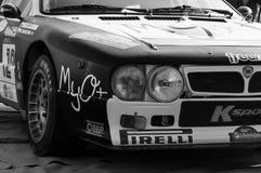 LANCIA SAMLAR 037 1984 som den gamla tävlings- bilen samlar Arkivbild