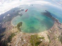 Lanciando in caduta liberasi sopra Ubatuba - il Brasile Immagine Stock Libera da Diritti