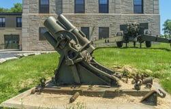 Lanciarazzi e cannone Immagine Stock