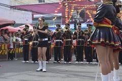 lancio del bastone delle majorette, volteggiante mostra durante la mostra annuale del brass band immagine stock