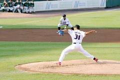 Lancio di Alberto Tirado della lega minore del gioco di baseball Immagini Stock Libere da Diritti