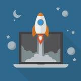 Lancio di Rocket dal computer portatile Immagini Stock Libere da Diritti