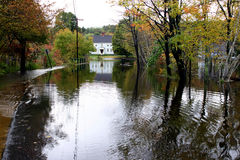 land 5 översvämmade körbanan Arkivfoton