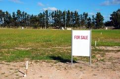 Land für Verkauf lizenzfreie stockfotos