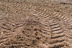 Land gepflogen für das Pflanzen, gepflogenes Feld, Ackerland lizenzfreie stockbilder