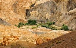 Land, Ladakh, Jammu en Kashmir, India op de maan royalty-vrije stock fotografie
