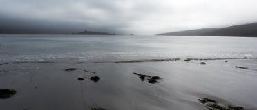 Land möter vatten på punkt Reyes Arkivfoto