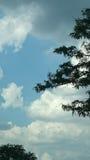 Land och sky Arkivfoton