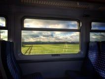 Land på fönstret Arkivfoton
