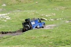 Land Rover Defender Offroad Fotografering för Bildbyråer
