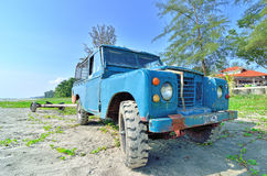 Land Rover Defender used to tow the boat carriage Stock Images