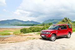 Land Rover Discovery 4 Testaandrijving op 13 Mei 2014 in Hong Kong Stock Afbeeldingen