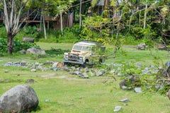 Land rover no safari & na Marine Park de Bali fotos de stock