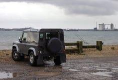 Land rover por la bahía Fotos de archivo libres de regalías