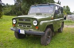 Land rover rusa vieja fotografía de archivo