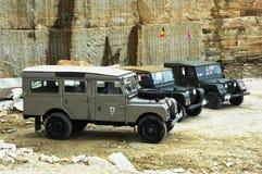 Land Rover serie Jeden w kamiennym łupie Fotografia Royalty Free